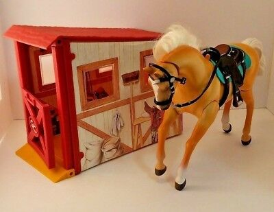Grand Champions Horse w/ Sounds 1996 Tan Stallion w/ Saddle & Stable Empire Vtg