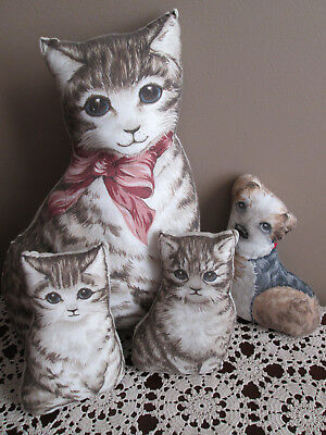 Vintage Printed Cat Family w/ Puppy Pillow Set