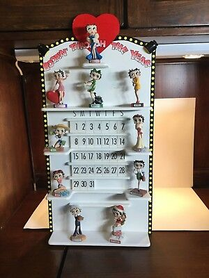 Betty Boop Perpetual Calendar W/ 10 Figurines By The Danbury Rare 31 date tiles