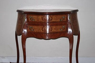 Gorgeous small commode French style Louis XV, exquisite!
