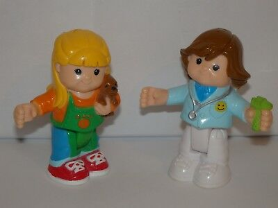 2 FIGURINES articulées  LITTLE PEOPLE PERSONNAGE 8 CM