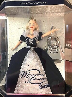 Barbie Doll Holiday Barbie Special 2000 Millennium Edition with Keepsake