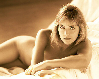 Sharon Stone UNSIGNED photograph - L6452 - NAKED!!! - SEXY!!! - NEW IMAGE!!!