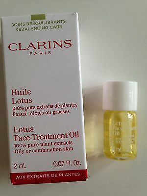 Clarins Santal Face Treatment Oil for Dry Skin sample
