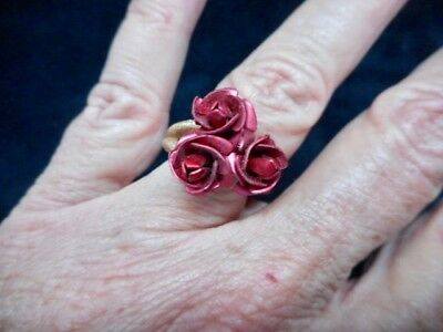 Authentic Vintage 1970's-80's Gold Tone Rose Motif Adjustable Ring