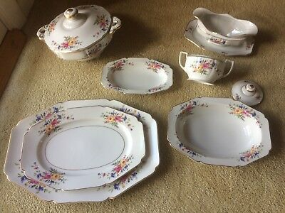ANTIQUE H&C SELB BAVARIA HEINRICH & CO FINE CHINA - 86 PIECES FLORAL w GOLD TRIM