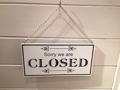 Open And Closed Double Sided 6-Mm Rigid Wood Hanging Sign