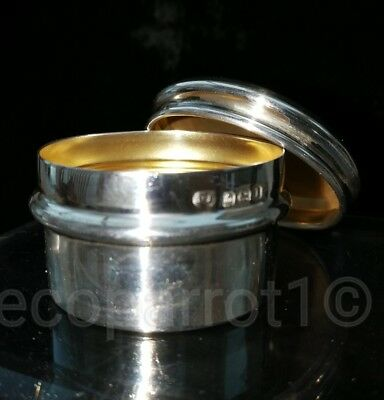 Quality English Sterling Silver Top Pill Box 1910