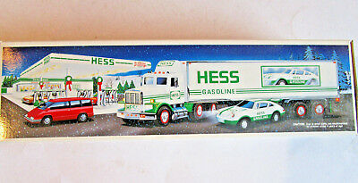 Hess 18 Wheeler And Racer Nib 1992