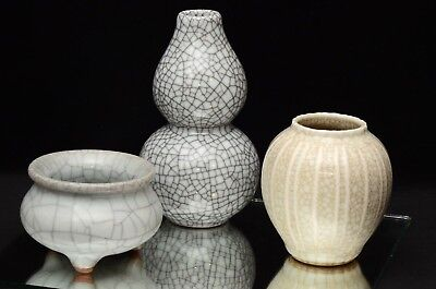 A group of three Chinese porcelain crackle glaze vessels