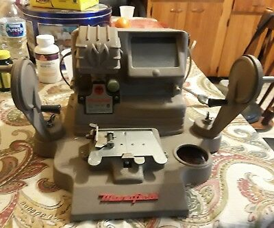 Vintage Mansfield  Model 950 8MM 16mm Portable Action Editor, Viewer,  Splicer