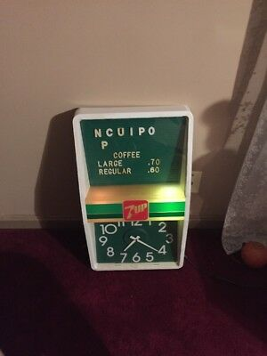 7 Up Lighted Clock That Works Needs New Bulb