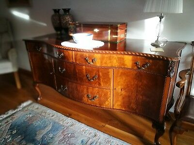 Very Attractive bow Front Victorian Mahogany Sideboard
