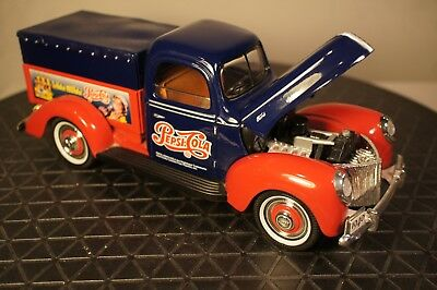 Pepsi-Cola Diecast 1940 Ford Pickup Delivery Truck w/ Canopy by Golden Wheels