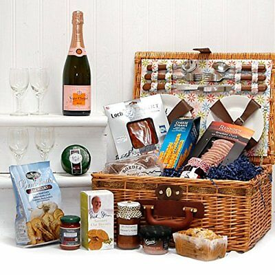 Luxury Fine Food Selection in a 4 Person Florence Picnic Basket Hamper with and