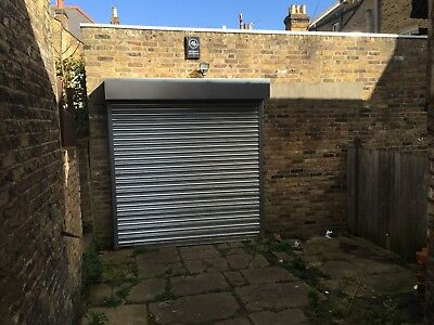 Electric roller shutter door with remote control - No Reserve