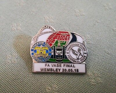 Stockton Town v Thatcham Town.. FA Vase Final 2018 Dated Match Pin Badge New