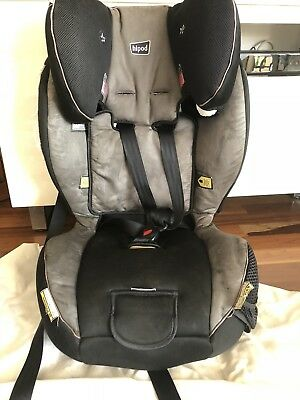Hipod Child Car Seat - Convertible for different ages - Toddler - Booster USED