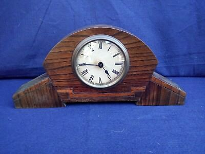 Vintage 1920's art deco oak mantle clock (working)