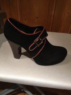 Chie Mihara Black Suede Shoe/boot With Tan Trim 38