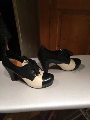 Chie Mihara Black And White Lace Shoes 37
