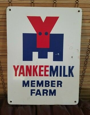 Vintage YANKEE MILK MEMBER FARM Advertising Sign feed seed  red white blue Dairy
