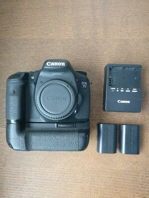 Canon EOS 7D Mark i 18.0MP DSLR Camera w/ Battery Grip + 2 Battries + Charger