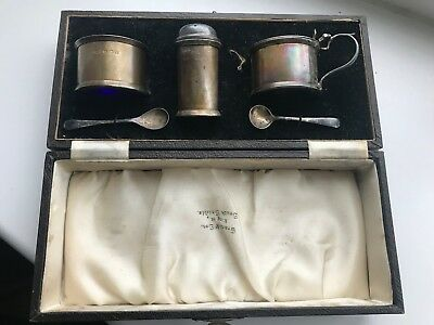 Antique Cased Solid Silver 3 Piece Cruet Set - 106.9 Grams
