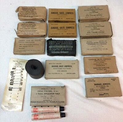 Large Lot of Vintage US ARMY First Aid Medic Dressings WWII, KOREA, VIETNAM