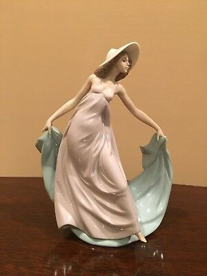 "Lladro ""Spring Enchantment"" #5663 Girl Holding Blue Shawl, 9"" tall"