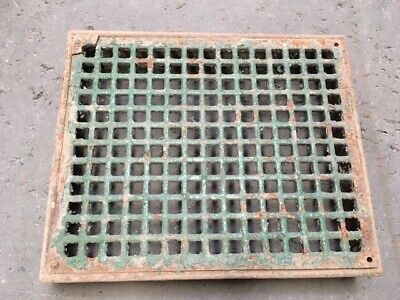 Air Vent / Metal Grill / Old Grate