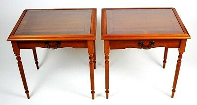 A Pair of Vintage Sheraton Style Yew Wood Coffee or Side Tables [PL4430]