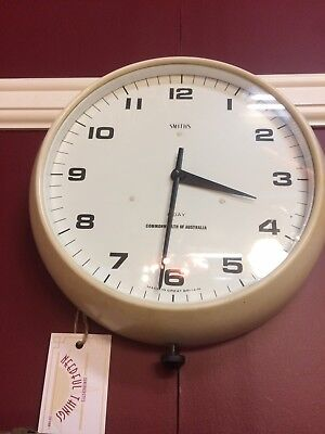 Smiths - 8 DAY - Wall Clock - Works Beautifully