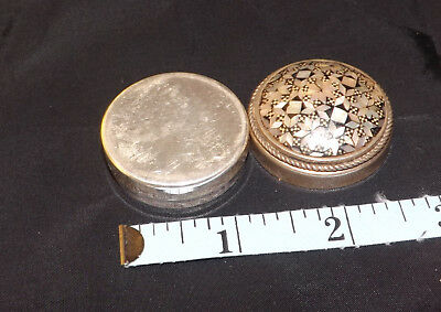 Antique Sterling Silver Snuff Box Vintage Design - has a chip on obverse top