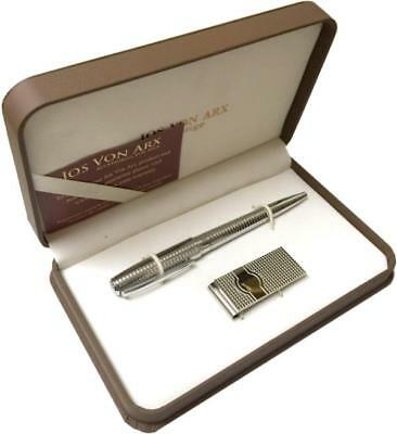 Men's Gift Set With Roller Ball Pen & Money Clip With Detailed Lined Pattern.