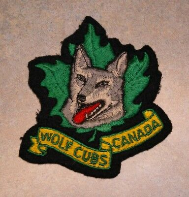 "Vintage 1980's Boy Scouts Wolf Cubs Canada Wolf Maple Leaf 3.5"" X 3.25"" Patch"