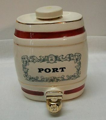 Wine Shippers Distillers Wade Royal Victoria Pottery W&A Gilbey Limited Vintage