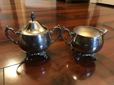 Vintage Oneida Silver Plated Creamer And Covered Sugar Dish - Lovely!
