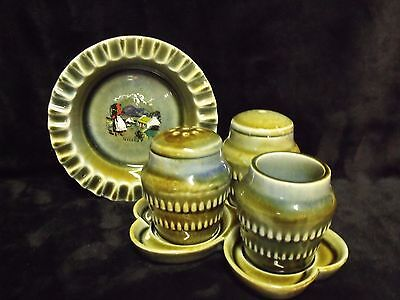 Vintage Wade Irish Porcelain 4 Piece Table Set And Ash Tray