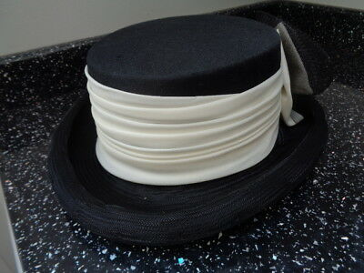 Fab Vintage Cream And Black Hat - C & A