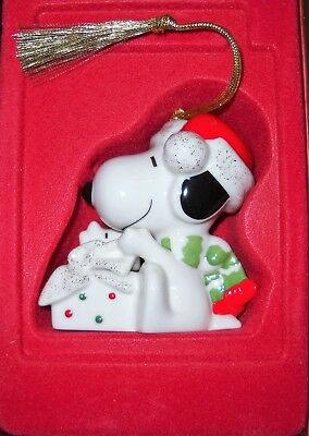 Lenox Peanuts A Surprise For Snoopy Ornament 3Rd In Series New In Box