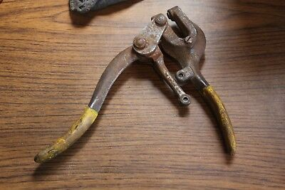 Fits the common Roper Whitney Jr Hand held Metal Punch Mount #5