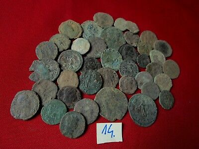 Ancient Roman coins - UNCLEANED COINS - Beautiful . Lot with 40 pieces .No.14