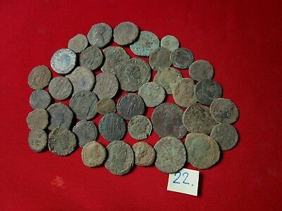 Ancient Roman coins - UNCLEANED COINS - Beautiful . Lot with 40 pieces .No.22