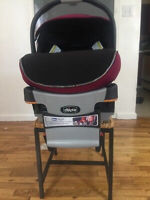 Chicco Keyfit 30 - Infant Car Seat with the base and strollers support frame