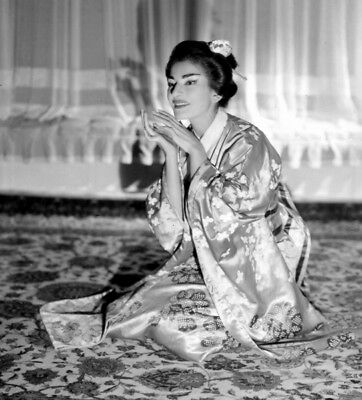 Maria Callas UNSIGNED photograph - L8415 - Madame Butterfly - NEW IMAGE!!!