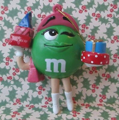 "GREEN M&M HOLDING PRESENTS 4"" CHRISTMAS ORNAMENT, m&m's"