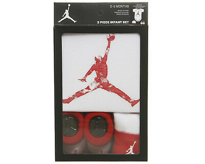 Nike AIR JORDAN from THE JUMPAN Collection - Baby 3-piece Outfit Gift Set White