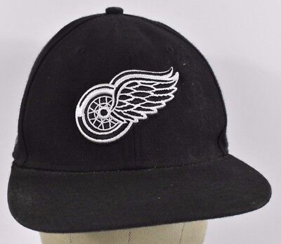 bb495fe8374 Black Detroit Red Wings Logo Embroidered Baseball hat cap Adjustable  Snapback