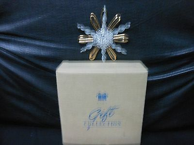 """Avon Gift Collection """"Shimmering Snowflake"""" 1997 Glass & 22K Gold Trim Ornament"""